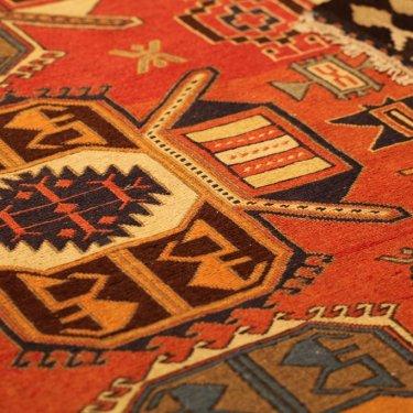 キルムを組み合わせて作ったオリジナル絨毯