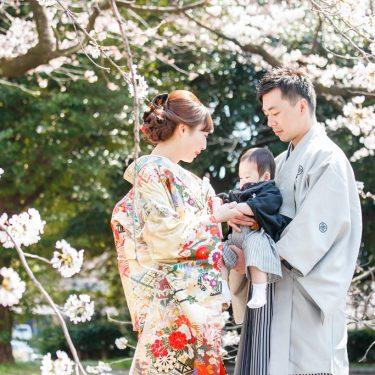 桜の季節に撮影したファミリーロケーションフォト