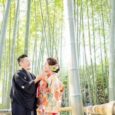 竹の前で撮った和装フォトウェディング写真