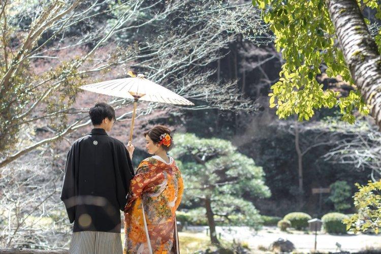 東山植物園内の日本庭園で