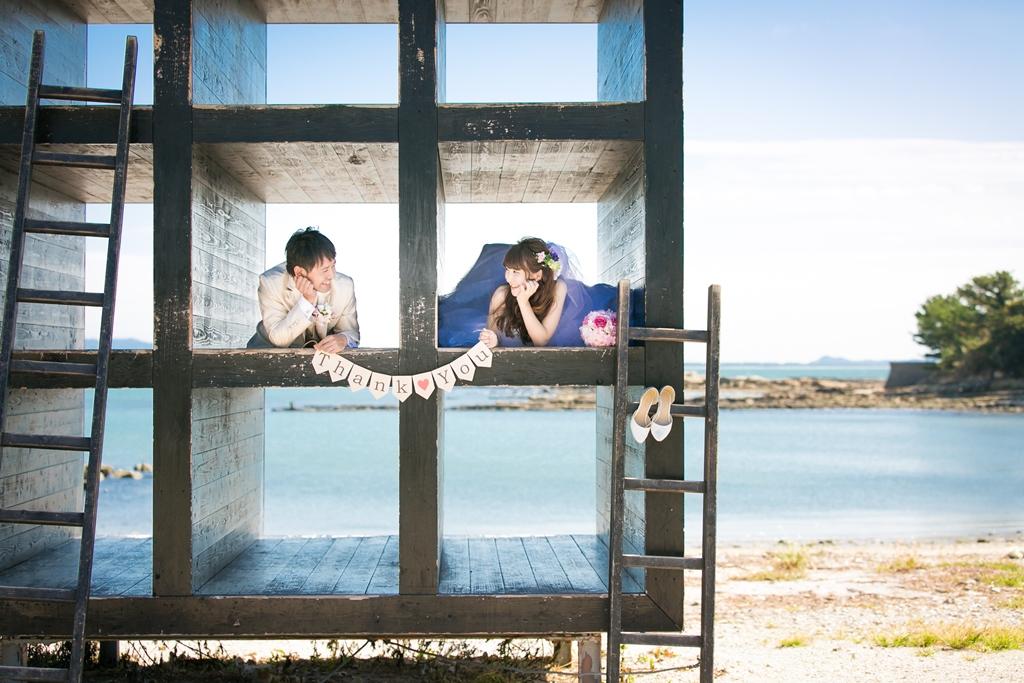 佐久島のおひるねハウスで撮った結婚写真