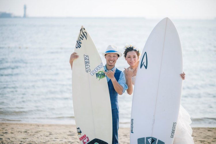 サーフィンボードとロケーション前撮り