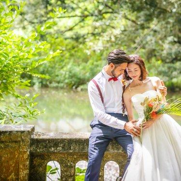 ハワイオールドパリで撮影した大人な雰囲気の結婚写真