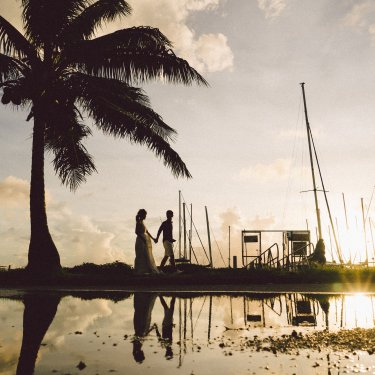 グアム南部のヨットハーバーで撮った結婚写真