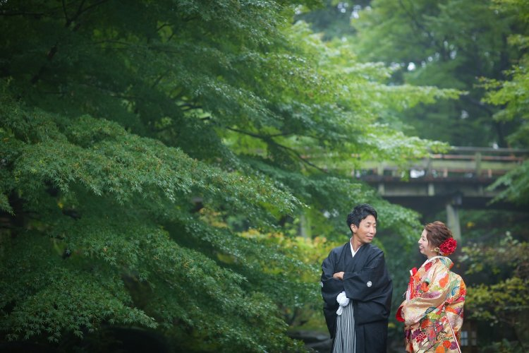 深い緑が美しい和装撮影