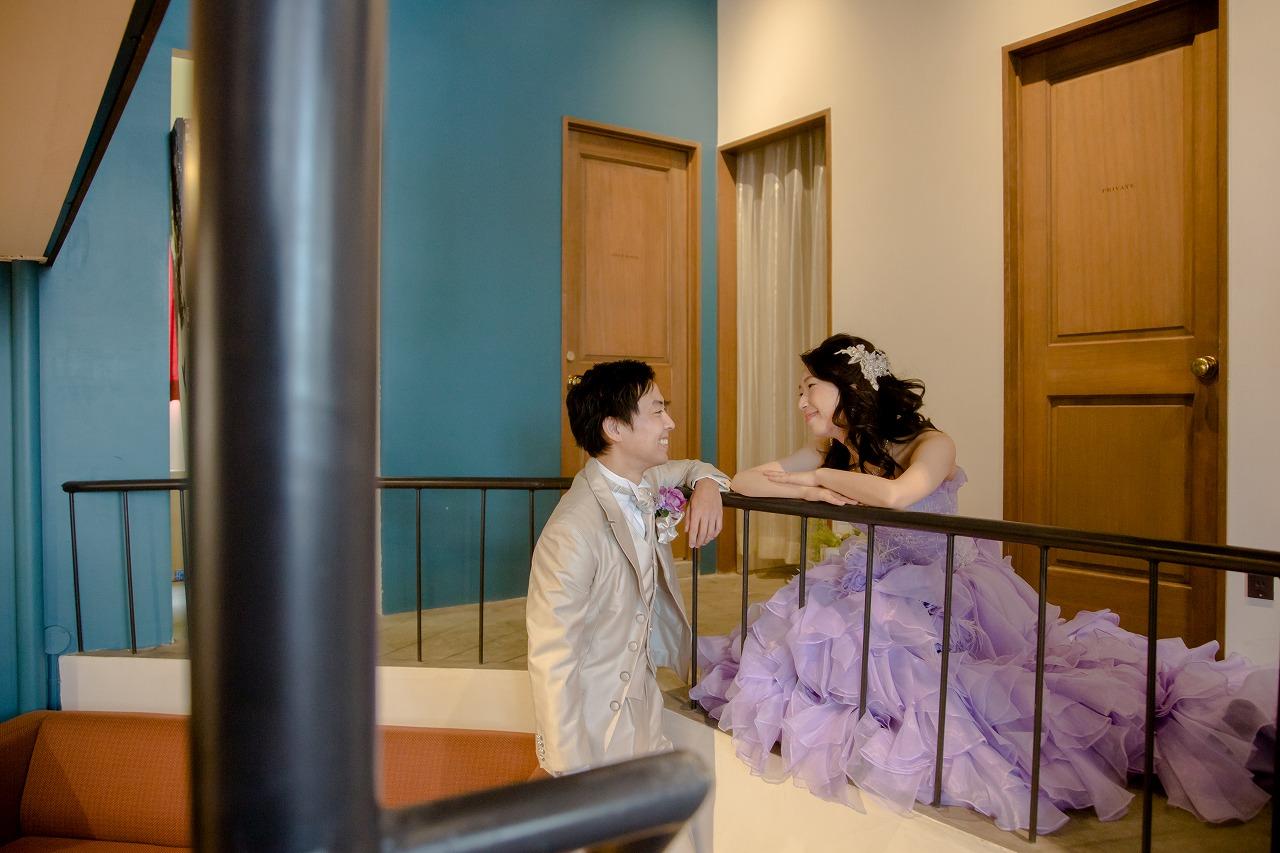 カラードレスを着て、ふんわり可愛い洋装スタジオ撮影。