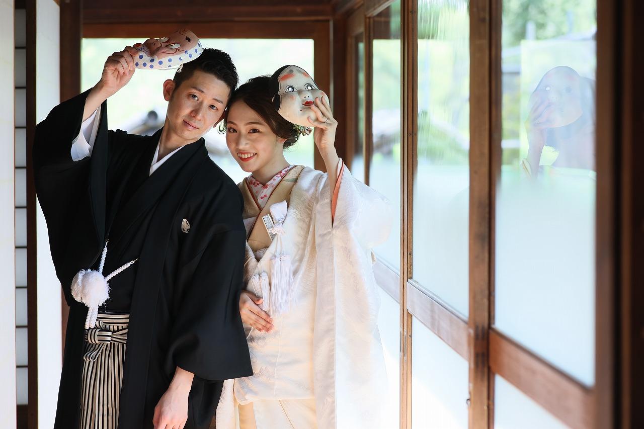 風情溢れる日本庭園でお二人らしくロケーション和装フォト。