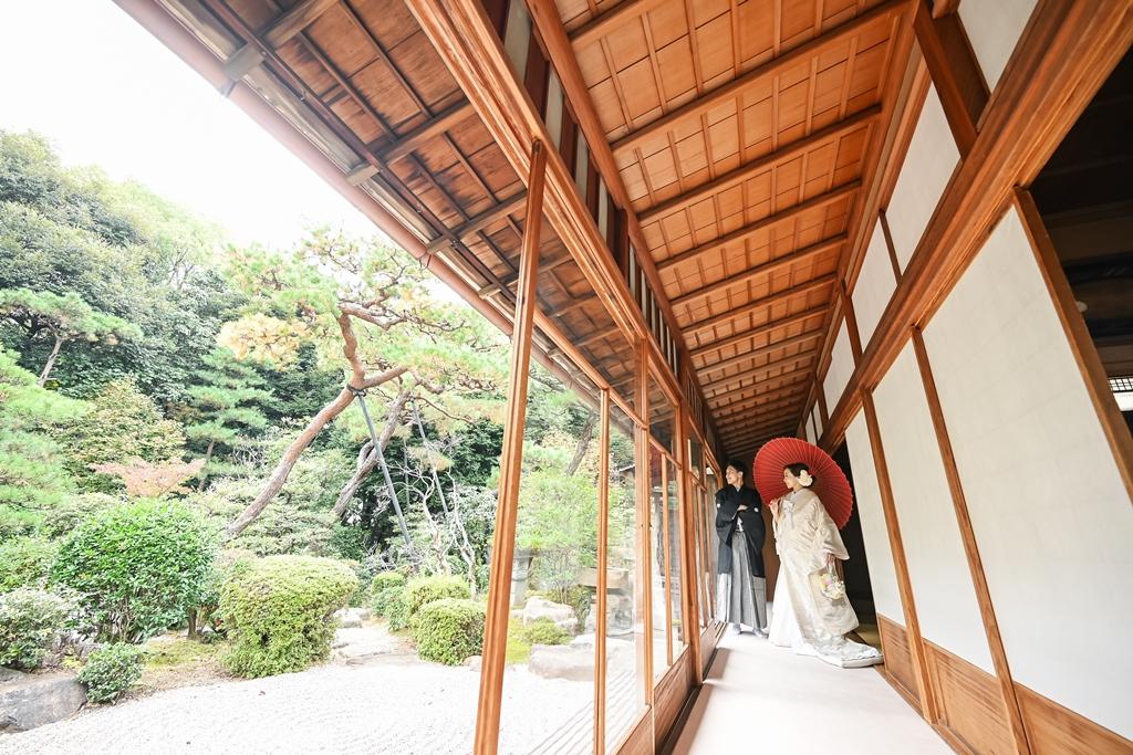 東山荘のお茶室で白無垢フォト