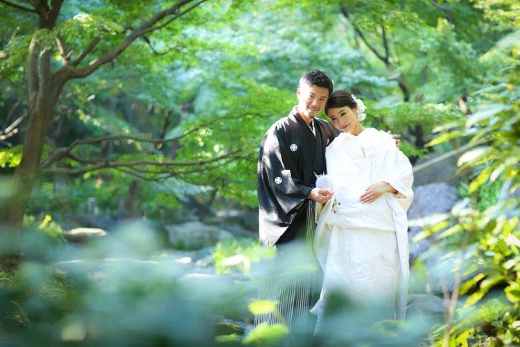 白鳥庭園で撮影した幻想的な結婚写真